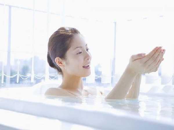 Điềm báo trong giấc mơ thấy đi tắm