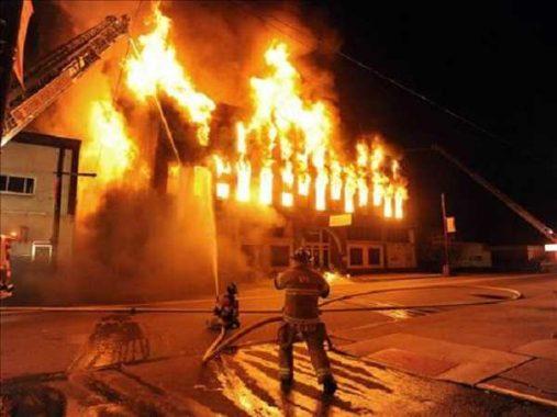 Lý giải điềm báo mơ thấy cháy nhà đánh con số gì?