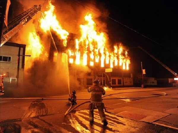 Mơ thấy cháy nhà mang đến điềm báo gì?